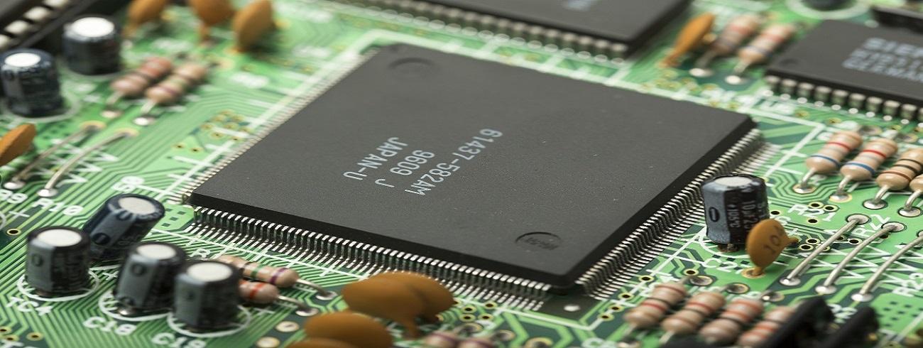 代表的なシングルボードコンピューターであるラズパイを商用利用する際は、ハードウェア面に対しての対策を十分しておく必要が有ります。